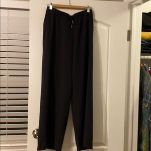 Lululemon On the Fly Wide Leg Woven. Size 10.